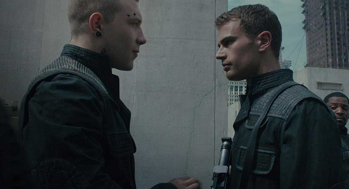 Divergent / Uyumsuz (2014) Film İncelemesi