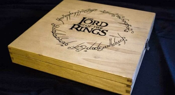 Lord of the Rings Haritası ile Yapılan El Yapımı Monopoly