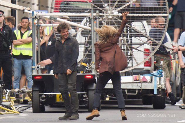 Mumya Filmi 10 630x420 Mumya Filmi Setinden Tom Cruise ve Annabelle Wallis Fotoğrafları