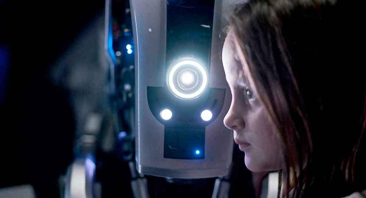 Netflix'in Yeni Bilim Kurgu Filmi I Am Mother İlk Fragmanı Geldi